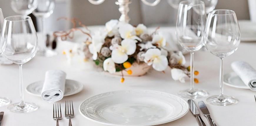 Interior art design posizione e scelta dei bicchieri a tavola le regole del galateo - Apparecchiare la tavola bicchieri ...